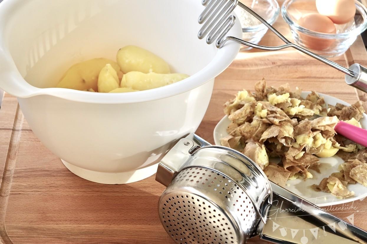 Erdäpfelreinkalan Kartoffellaibchen Zubereitung Schritt 2 Glorreiche Familienküche