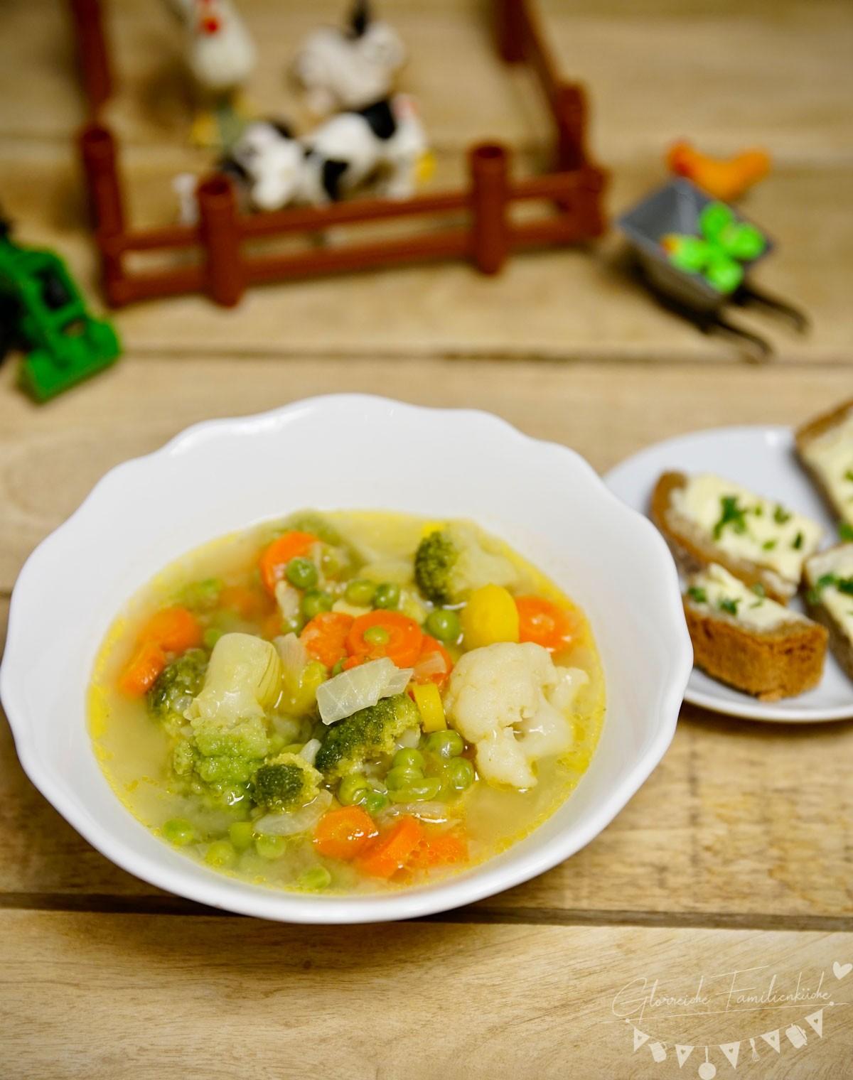 Leckere und einfache Gemüsesuppe