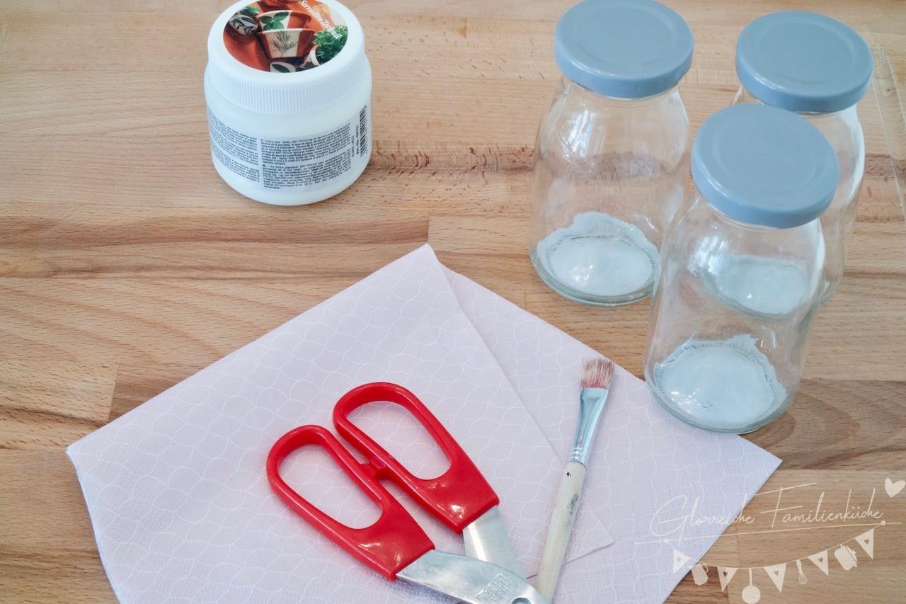 Vase mit Serviettentechnik DIY Materialien Glorreiche Familienküche