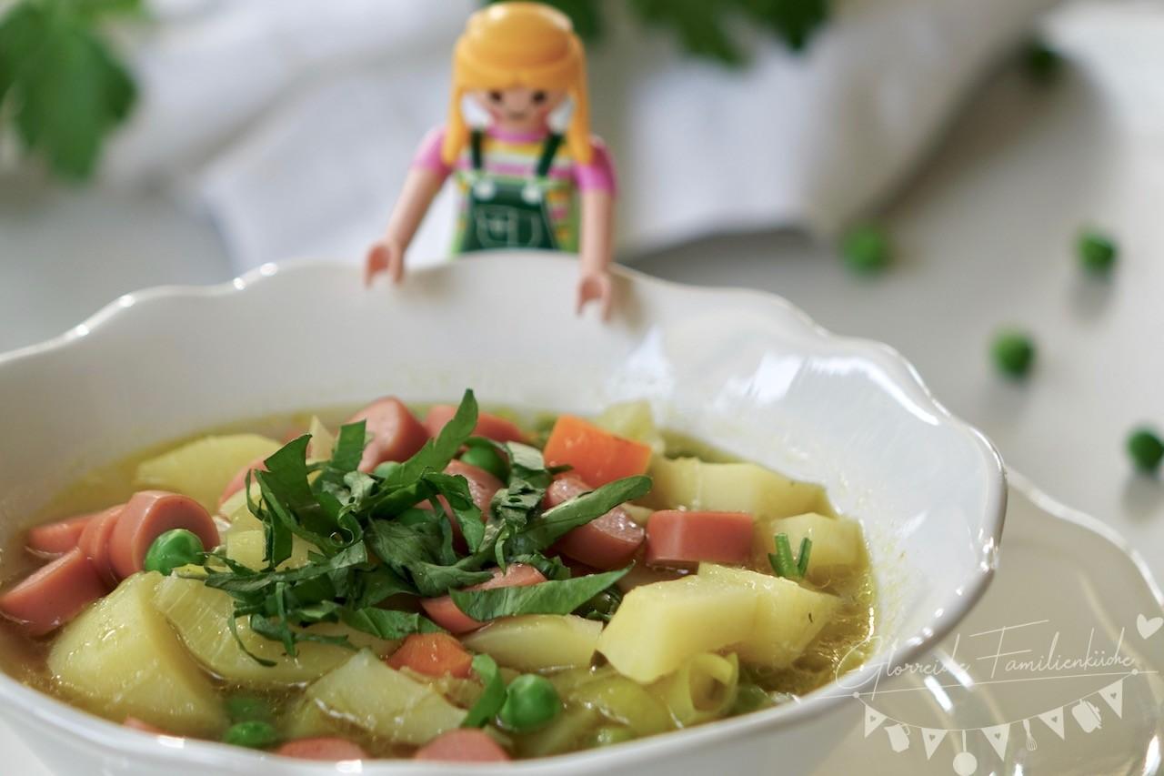 Kartoffelsuppe mit Würstel Gericht Glorreiche Familienküche