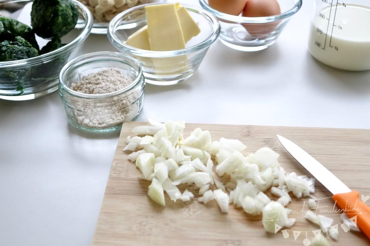 Dinkel Spinat Knödel Zubereitung Schritt 1 Glorreiche Familienküche