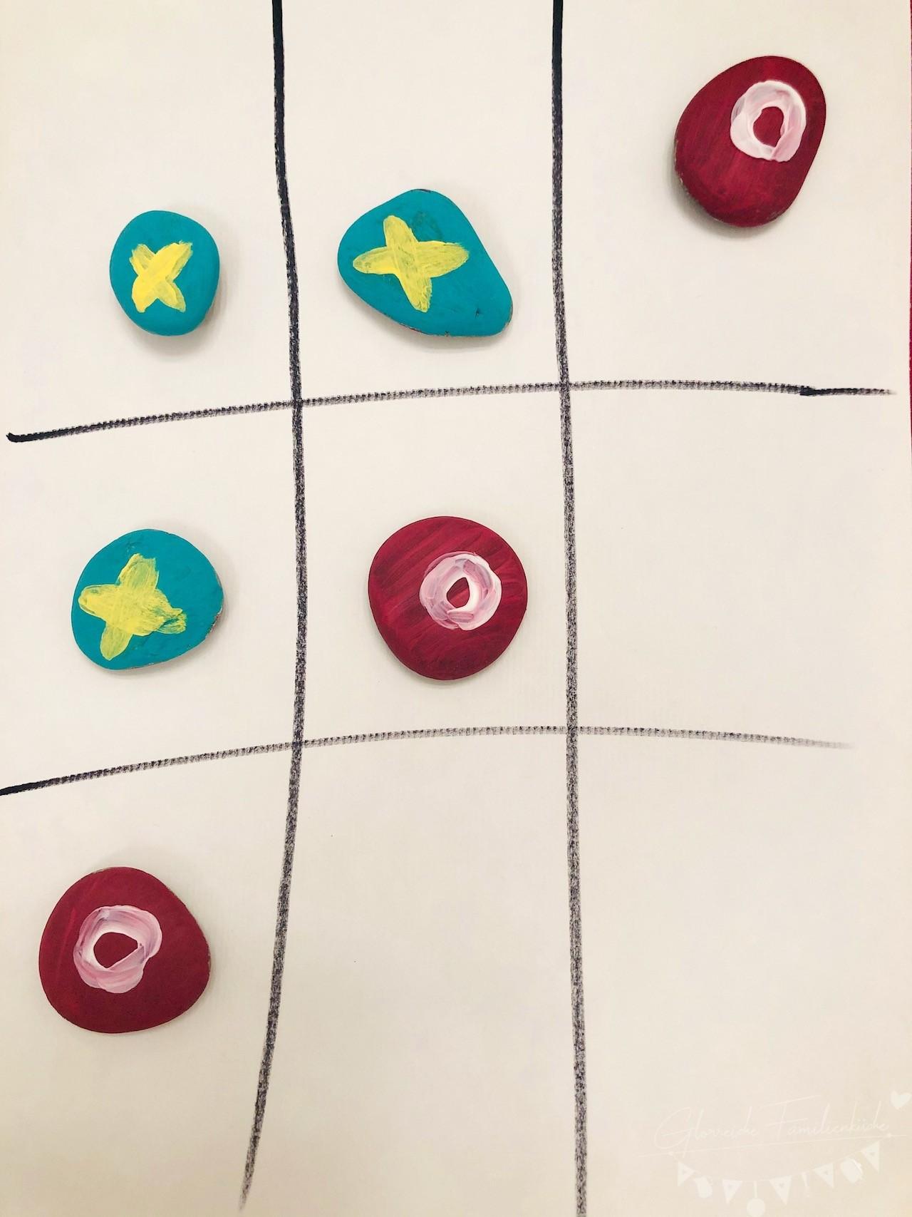 DIY Tic Tac Toe mit Steinen