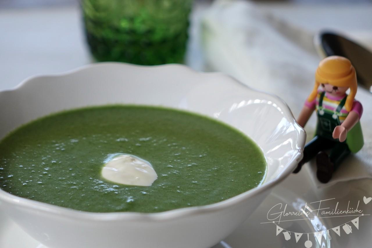 Kartoffel-Spinat-Suppe Gericht Glorreiche Familienküche