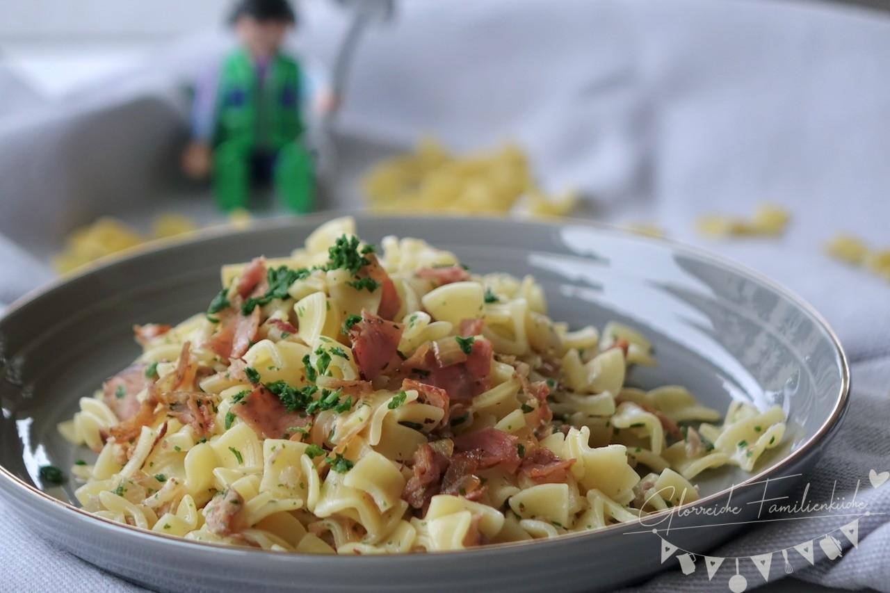 Schinkenfleckerl Gericht Glorreiche Familienküche