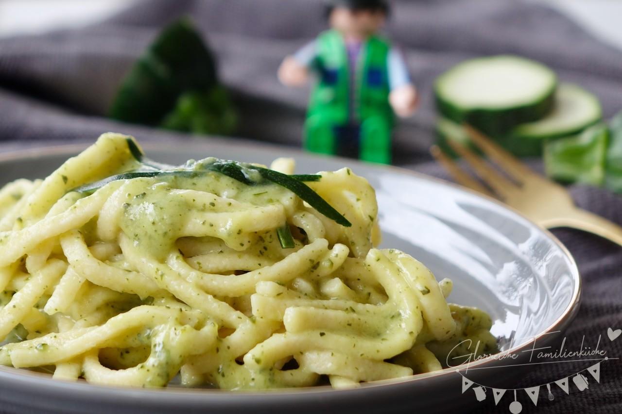 Zucchinisauce mit Spätzle Glorreiche Familienküche